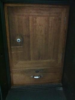 竹内金庫製造内側木扉シリンダー2箇所