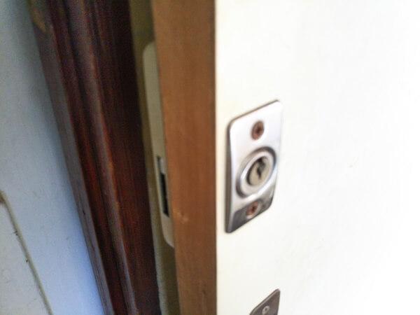 木扉引戸鍵取付